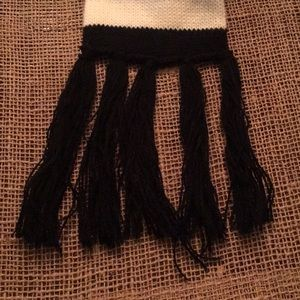 Roxy Accessories - Roxy black and white striped scarf